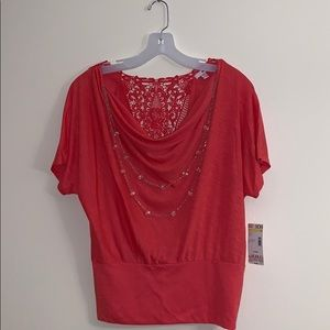 NWT coral colored top with detachable necklace